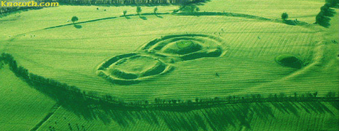 Aerial shot of the Hill of Tara courtesy Michael at Knowth.com